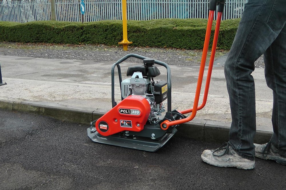 """Belle PCLX 320 Streetworks 13"""" 3HP Honda Engined Plate ..."""